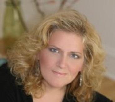 Liz Trasmundi Employee Benefits Consutlant